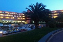 esti tájkép a szálloda szobák előtt